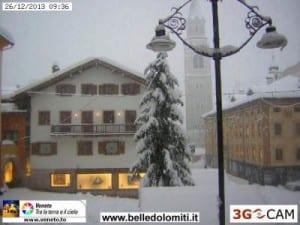 Cortina d'Ampezzo sotto la nevicata. Fonte belledolomiti.it