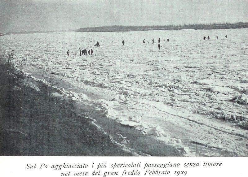 04Crespino1929ghiacciosulPobyQualdi - Il Po ghiacciato. Quando il freddo in Val Padana toccò sin quasi a -30°C. Era il 1929