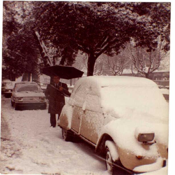 1985 01 06S. Giovanni - Foto storica nevicata Gennaio 1985 su Roma