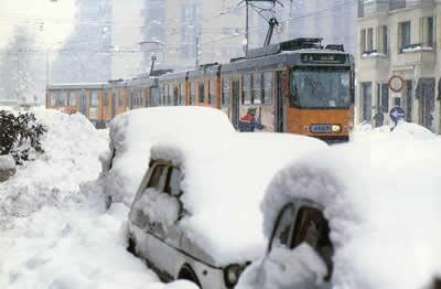 Milano nevicata 85 piazza de angelis faruffini - Gelo del 7 Gennaio 1985 prima di un'altra pesante nevicata