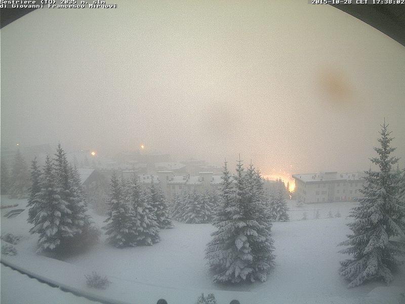 28 ott 15 sestriere - Il caldo è solo temporaneo. Solo 3 anni fa, tormente di neve in Europa e Italia a fine Ottobre
