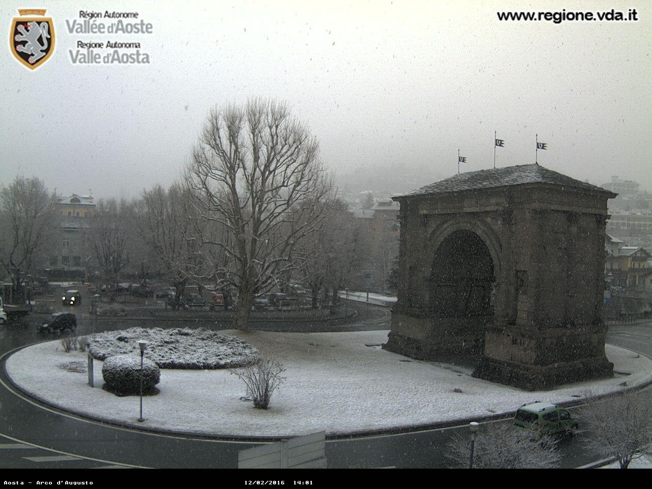 12 feb 16 aosta1 - Serata di forti nevicate sulle Alpi!