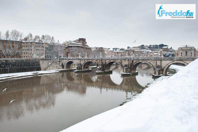 Neve a Roma, vista sul Tevere, era il Febbraio 2012.