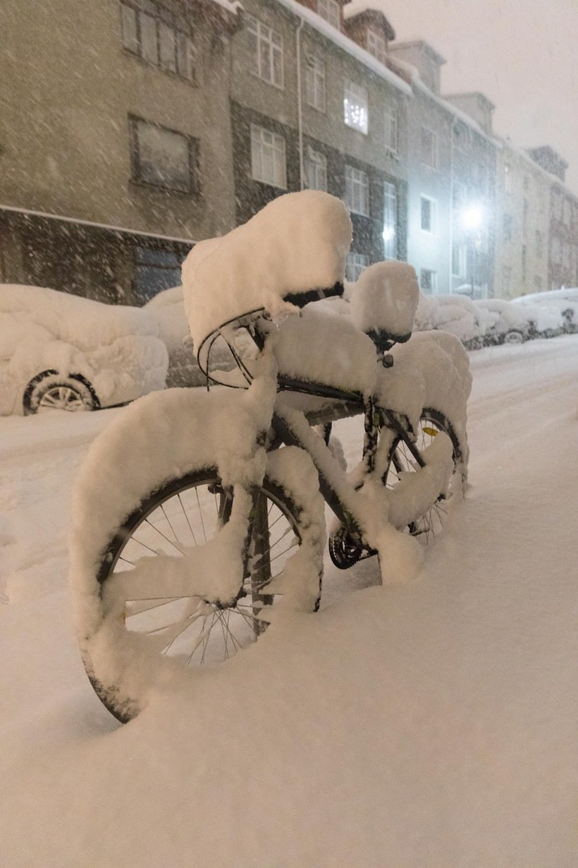 946197 - Reykjavik, inedite foto della nevicata da record