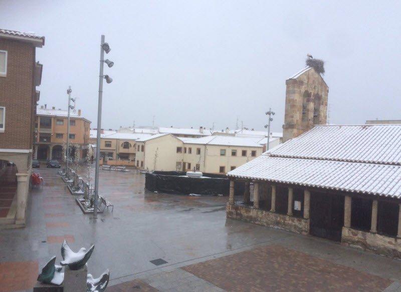 salamanca provincia - Spagna piomba l'inverno, neve a quote basse