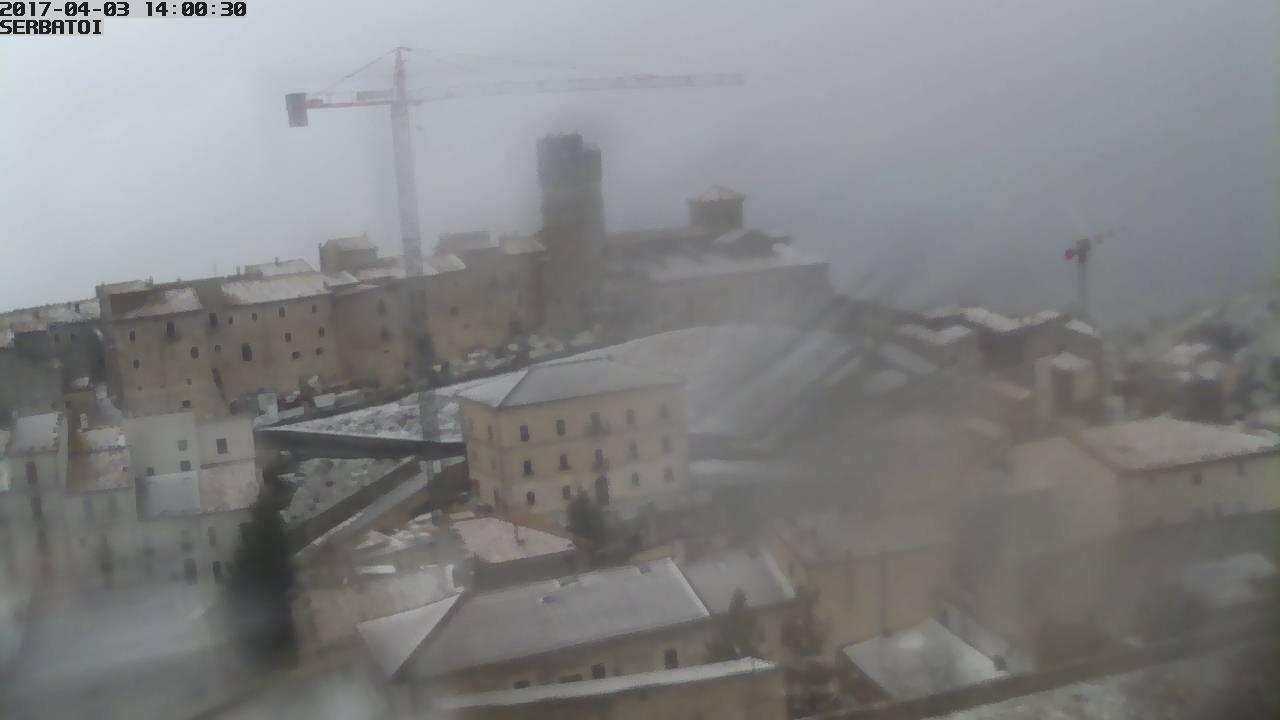 italia centrale neve - Aria fresca in quota, nevica nei monti dell'Italia centrale