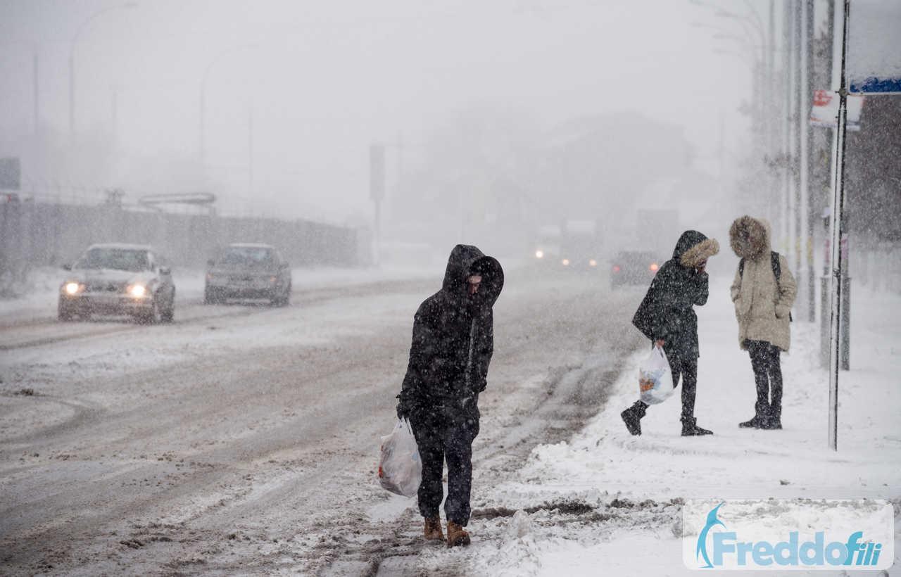 Blizzard in Italia. Tempeste di neve a seguito irruzione della Bora. Immagini di repertorio.